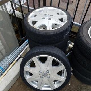 タイヤホイールの4本セットです。