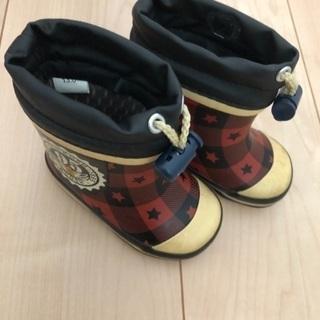オシュコシュ 冬用ブーツ