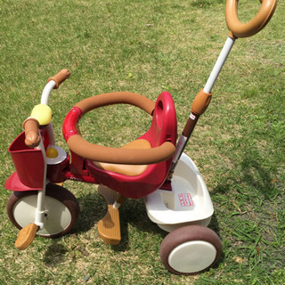 イーモ   三輪車   トライシクル  赤色