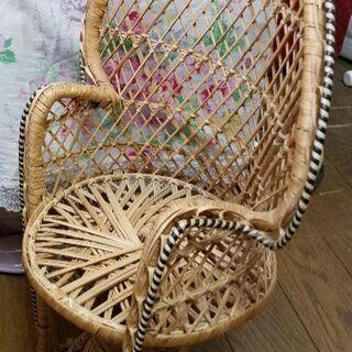人形の椅子