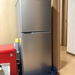 2010年製SANYO 140L冷蔵庫