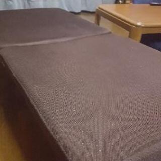 折り畳みキャスター付きシングルベッド