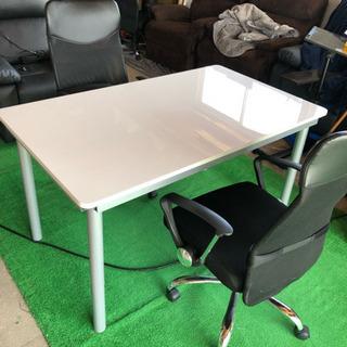 激安!テーブルと椅子2脚セット