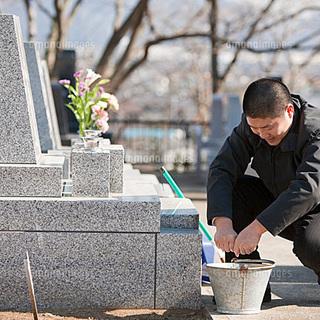 【初回半額!】お墓掃除&お墓参りヘルパー