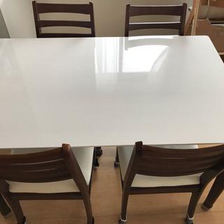 白色のキレイ目ダイニングテーブル&椅子4脚