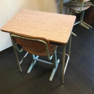小学校の机と椅子セット💚中古💚2セットあります