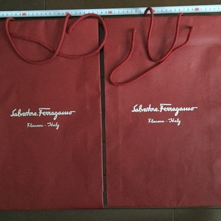 ほぼ新品 ブランド物袋