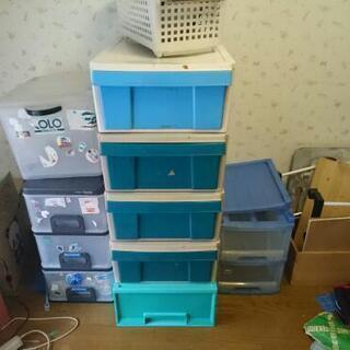 収納ボックス、衣装ケース