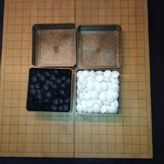 囲碁盤(折り畳み式)と碁石