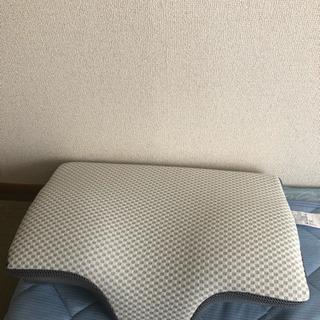 ニトリ 横向き寝がラクな枕 ナチュラルフィット ※値下げしました。