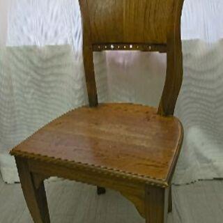 椅子★木製デザインチェア★飾り台にもGood❗