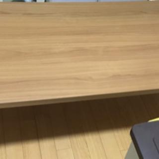 テーブル 四つ脚