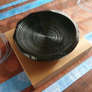 モダンな茶托 漆器のお皿