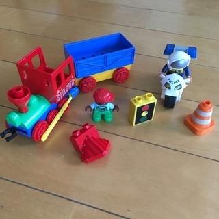 レゴデュプロシリーズ 緑のバケツ 汽車と白バイ
