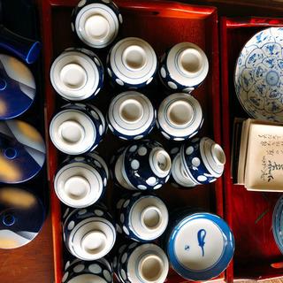 (引取限定)茶器 28個 ドット柄の茶器です