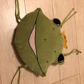 イケア  マンムット  カエルのクッション