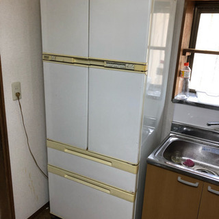 とても大きい冷蔵庫(400リットル)