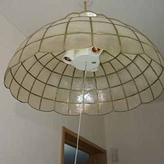 ■ペンダントライト 照明 ステンドグラス風 電球3灯