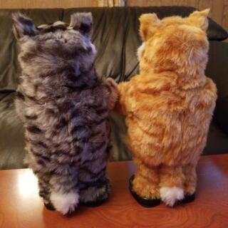 この2匹、踊りません。かざるだけ。 ダンシングキャット 2匹 (...