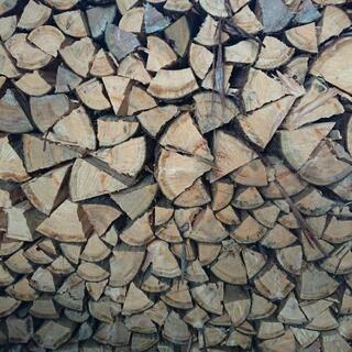 桧の薪 軽トラ 1台分
