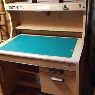 古い学習机