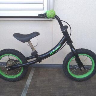 カーズのヘルメット付キックバイク バランスバイク