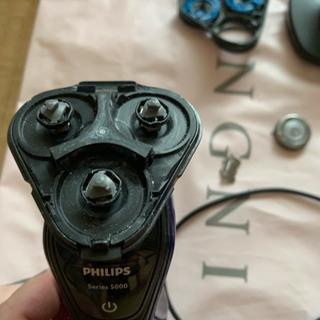 ジャンク品 フィリップス 電動髭剃り 電動ケーブル使えます!