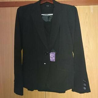 未使用 黒スーツ(ジャケット+スカート) 15号