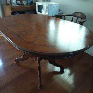 イタリア高級家具テーブル
