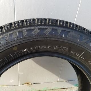 スタッドレスタイヤ 175/65R14 4本