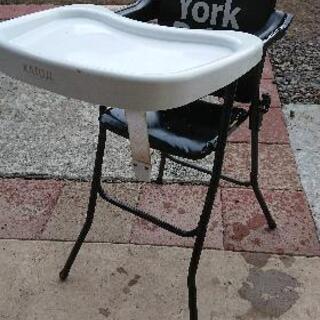 子供用椅子。