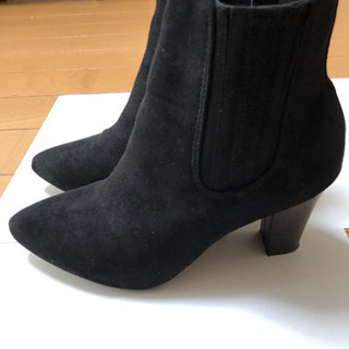 7.5センチヒールの美脚サイドゴアショートブーツ
