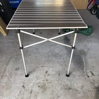 キャンプグッズ  テーブル
