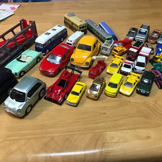 ミニカー盛りだくさん色んな車