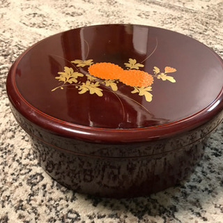 お寿司の桶!