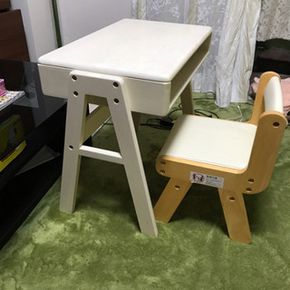 子供机と椅子