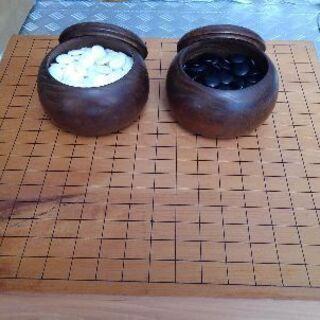 囲碁盤と白、黒、碁石セット