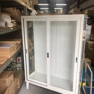 スチール製ガラス収納庫 (決まりました!)