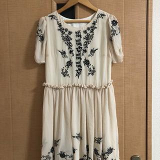 半袖刺繍ワンピース サイズ36