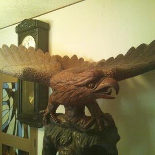 ●木彫り★大型★鷲の置き物●