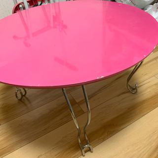 赤色、折り畳みテーブル