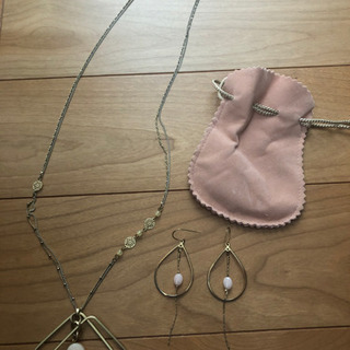 【美品】ローズクォーツのネックレス&ピアス セット