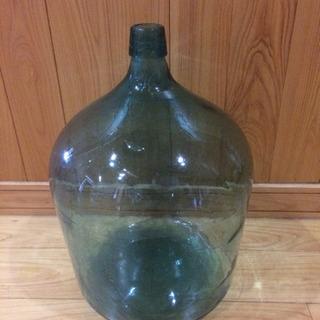 大きなレトロ瓶