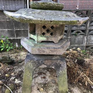 お話中です! 石灯篭  お庭 日本庭園  庭造り