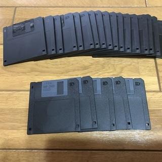フロッピー maxell 2HD X17枚・TDK MFー2HD X5枚 合計22枚 未使用品 ケース付きの画像