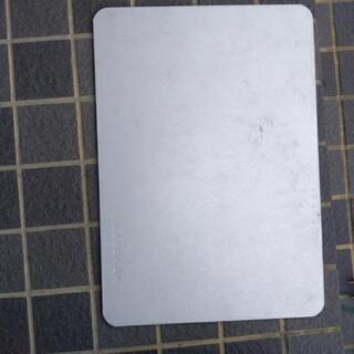 ワンチャンの夏用のひんやりしたいアルミ板
