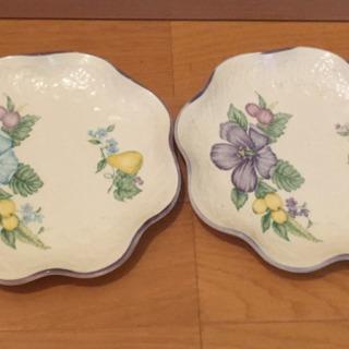 ジャンク 100円 昭和レトロ 花柄のお皿2枚セット