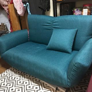 緑のソファー譲ります