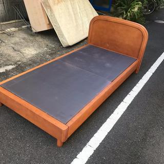 美品 シングルベッド 幅100   無料