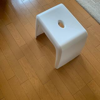ニトリ製品   お風呂で使う椅子です。